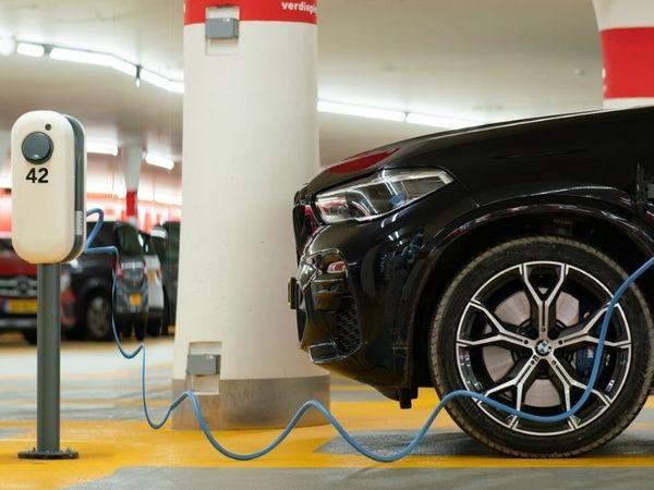 સાઉથ કોરિયાની 3 કંપનીઓ પાસે 31% માર્કેટ શેર રહ્યો, પરંતુ ટેક્નોલોજી મામલે ચીનથી પાછળ રહી ગઈ ઓટોમોબાઈલ,Automobile - Divya Bhaskar
