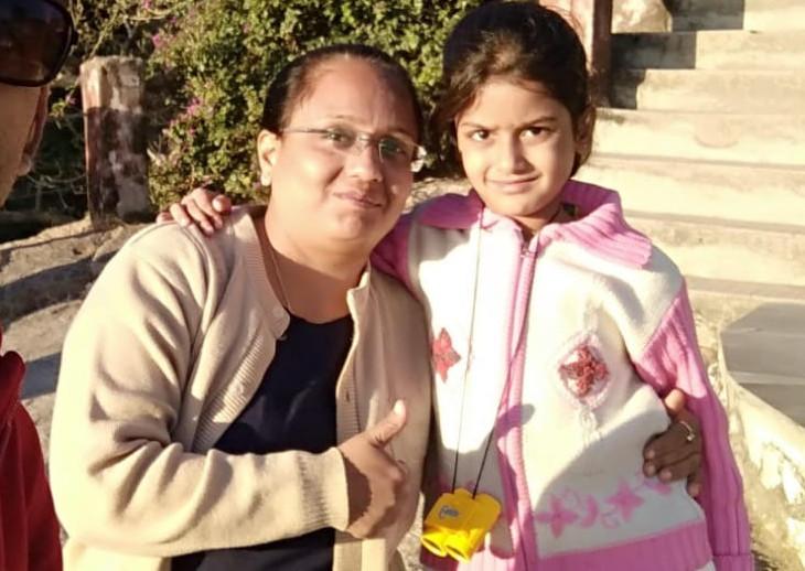 સુરતની સિવિલ હોસ્પિટલમાં માતાએ અને વલસાડમાં હોમ આઈસોલેશનમાં રહીને 9 વર્ષની દીકરીએ કોવિડ-19ને હરાવ્યો|સુરત,Surat - Divya Bhaskar