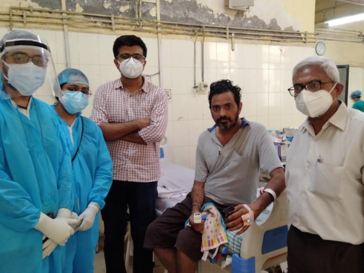 સુરતના યુવકે 90 ટકા ઈન્ફેક્શન અને 100 ટકા બાયપેપ પર રહ્યા બાદ 40 દિવસની સારવાર બાદ કોરોનામુક્ત થયા|સુરત,Surat - Divya Bhaskar