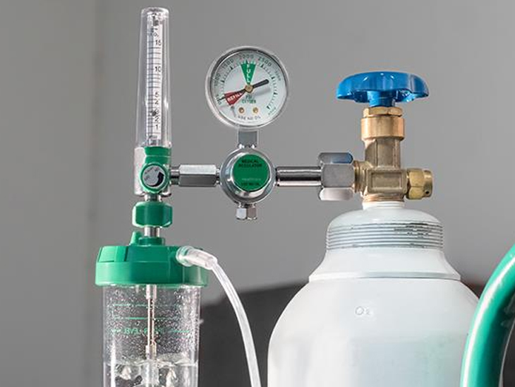 ભરૂચ જિલ્લામાં ઓક્સિજનની અછત નથી, પરંતુ ઓક્સિજન બોટલ અને મીટર મળતા નથી|ભરૂચ,Bharuch - Divya Bhaskar