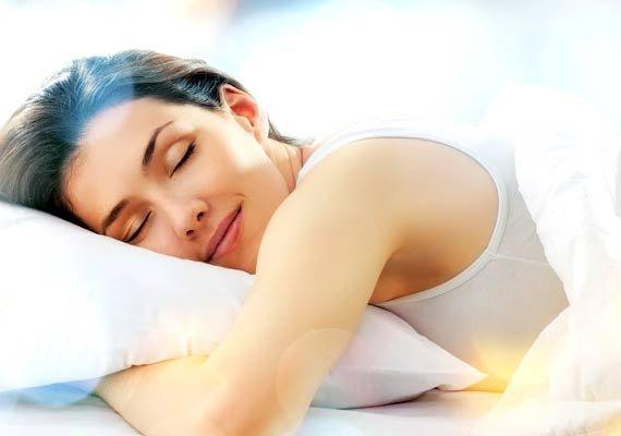 સ્લીપ ગાઈડન્સ આપતી 'ઈચ નાઈટ' કંપનીની લોભામણી ઓફર, 30 દિવસ સુધી પૂરતી ઊંઘ કરીને 1 લાખ રૂપિયાની કમાણી કરો|લાઇફસ્ટાઇલ,Lifestyle - Divya Bhaskar