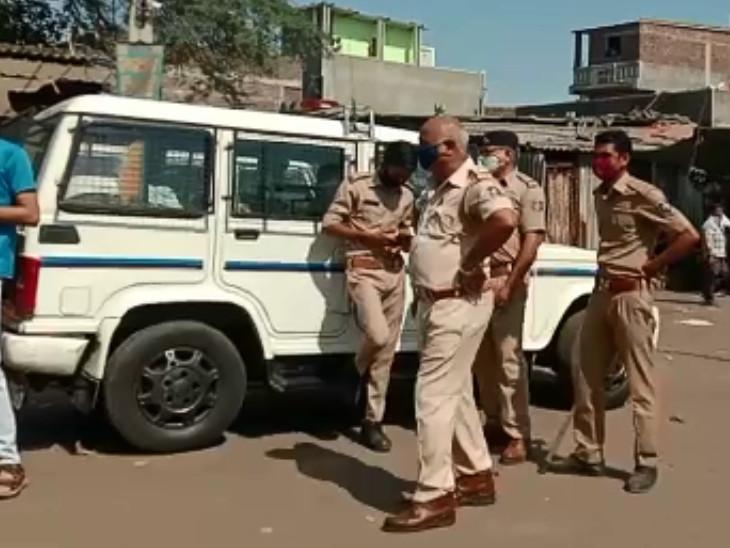 પાંડેસરા GIDCમાં પોલીસ કાફલો ગોઠવાયો.
