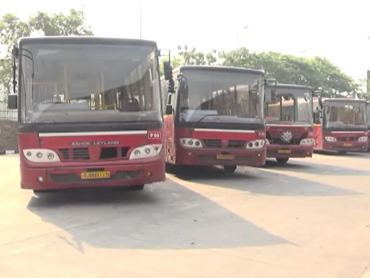 સુરતમાં કોરોના સંક્રમણમાં આંશિક ઘટાડો થતાં પાલિકાએ બે રૂટ પર BRTS બસ સેવા શરૂ કરી|સુરત,Surat - Divya Bhaskar