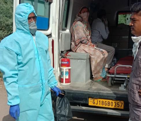 સુરેન્દ્રનગર જિલ્લામાં સતત બીજા દિવસે પણ 105 નવા કેસ, સારવાર દરમિયાન 3 દર્દીઓના મોત - Divya Bhaskar