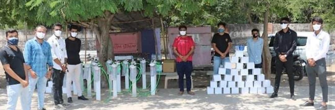 મોરબીમાં એક સંસ્થા દ્વારા ઓક્સિજન સિલીન્ડર કીટ પરત આપનારને પાંચ રોપાઓનું વિતરણ શરૂ કરાયુ - Divya Bhaskar