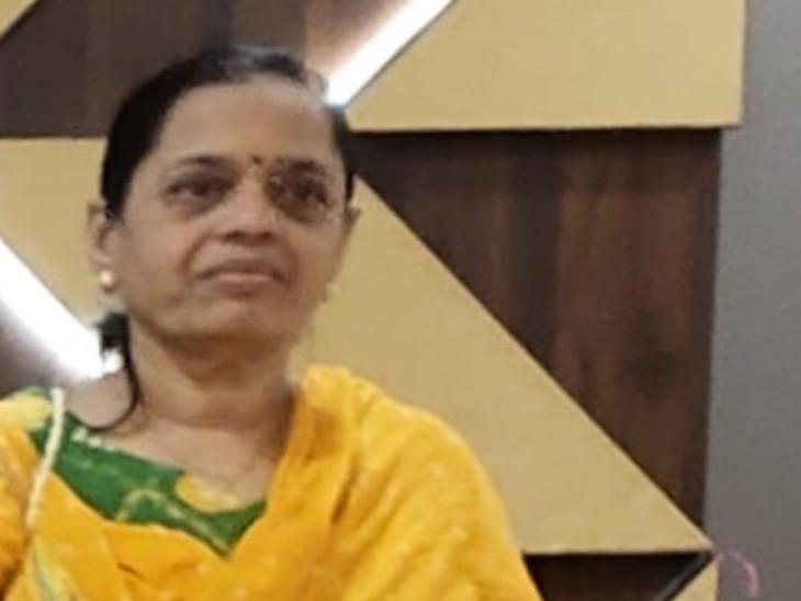 પરિવારમાં નાના બાળકો અને વડીલો હોવાથી મહિલાઓ તબીબોએ વધુ તકેદારી રાખવી પડે છે. - Divya Bhaskar