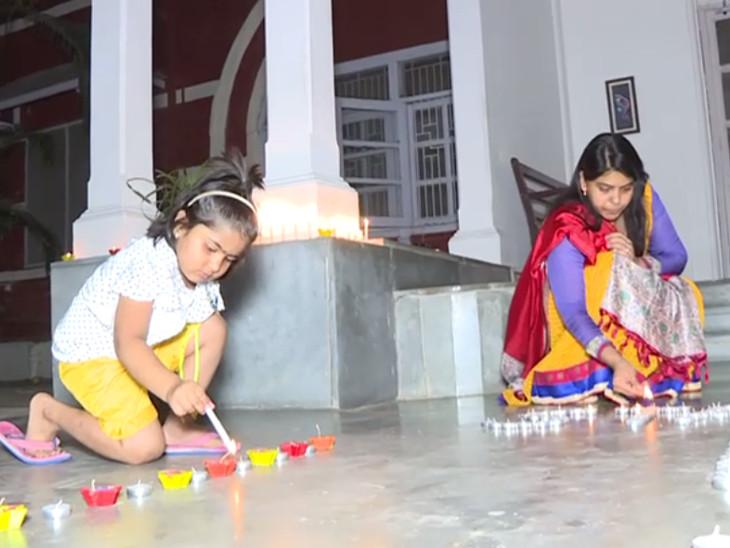 વડોદરાના મહિલા IAS શાલિની અગ્રવાલ પોતાના બાળકોનો ઉછેર પણ સારી રીતે કરી રહ્યા છે.