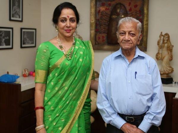 હેમામાલિનીએ ઈમોશનલ પોસ્ટમાં કહ્યું, તમે જે ખાલીપો મૂકીને ગયા, તેને કોઈ ભરી શકશે નહીં બોલિવૂડ,Bollywood - Divya Bhaskar