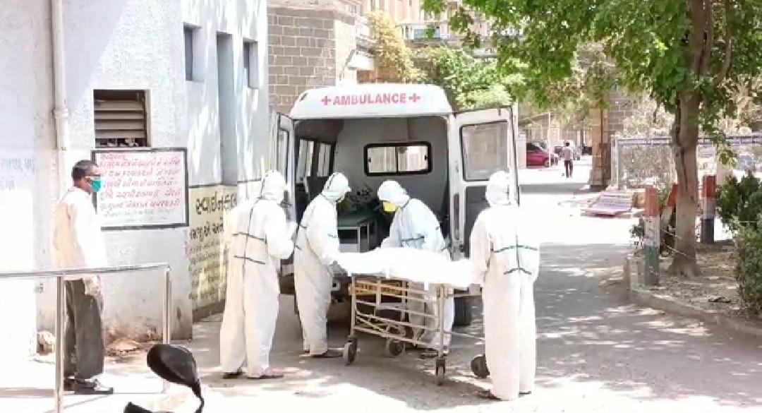 સુરેન્દ્રનગર જિલ્લામાં કોરોના સંક્રમણ વધ્યું, આજે નવા કોરોના પોઝિટિવના 105 કેસ આવ્યા, 3 દર્દીઓના મોત થયા - Divya Bhaskar