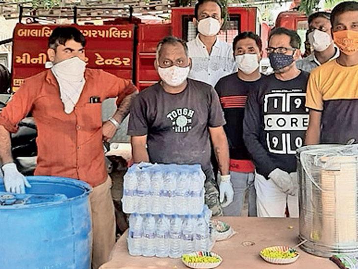 બાલાસિનોરમાં શ્રી હિંદુ સેવા સમાજ ટ્રસ્ટ દ્વારા  સેવા યજ્ઞ શરૂ - Divya Bhaskar