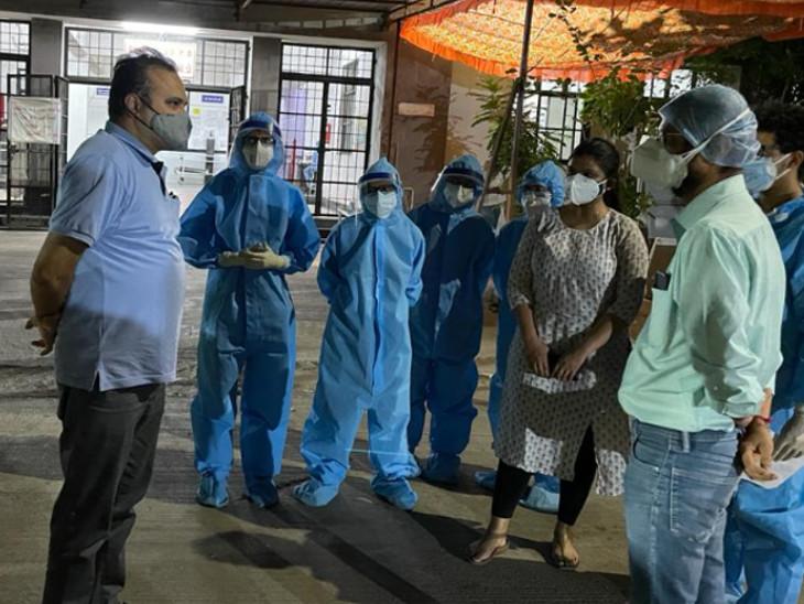 ડો. વિનોદ રાવે  કોવિડ સારવારમાં અગ્રેસર અને સતત કાર્યરત ગોત્રી હોસ્પિટલની મુલાકાત લીધી - Divya Bhaskar