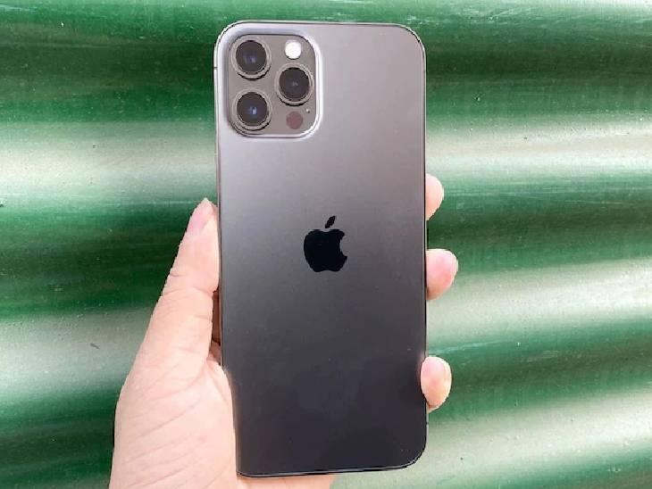ફ્લિપકાર્ટ પર 'આઈફોન 12' અને 'આઈફોન 12 પ્રો' પર ₹6000 રૂપિયાનું ડિસ્કાઉન્ટ, આઈફોન SEની ખરીદી 30,999 રૂપિયામાં કરી શકાશે|ગેજેટ,Gadgets - Divya Bhaskar