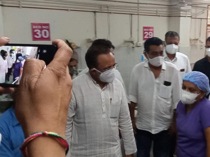 જિલ્લો ગરીબ છે, સરકારે સુવિધાઓ પૂરી પાડવી જોઇએ : મોઢવાડિયા સુરેન્દ્રનગર,Surendranagar - Divya Bhaskar