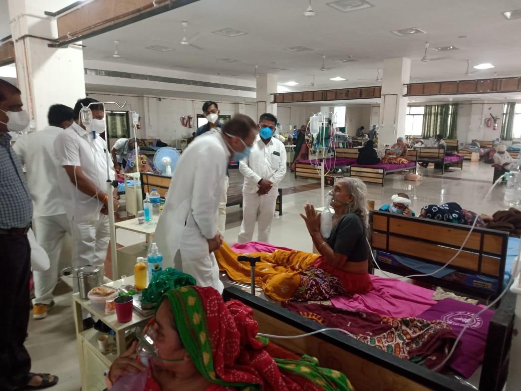 સરકારના આગોતરા આયોજનના અભાવે કોરોના સંક્રમિત દર્દીઓ મોતના મુખમાં ધકેલાયા - અર્જુન મોઢવાડિયા પાટણ,Patan - Divya Bhaskar