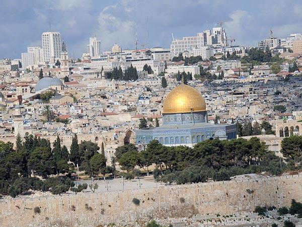 જેરૂસલેમ ઘણું જ મોટું શહેર છે, આ શહેર ઈસ્લામ, ઈસાઈ અને યહૂદી ધર્મ માટે ઘણું જ પવિત્ર સ્થળ છે.