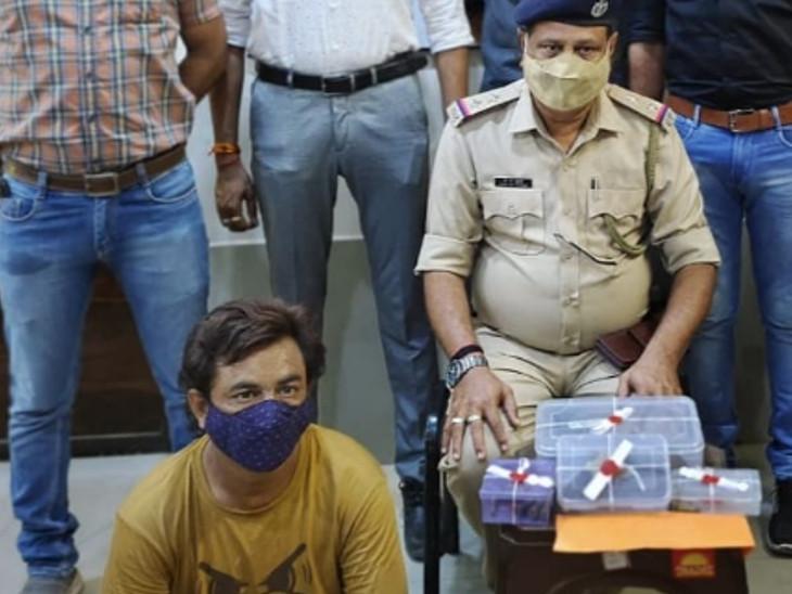 કડોદરા પોલીસે પકડેલો આરોપી. - Divya Bhaskar