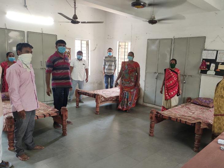 કણભા ગામમાં હોમ આઇસોલેશનની સુવિધા હોવાથી લોકો સેન્ટરમાં સારવાર માટે જતા નથી. - Divya Bhaskar