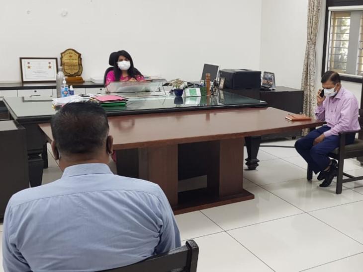 વડોદરા કલેક્ટર શાલિની અગ્રવાલ દ્વારા MGVCL અને જેટકોના અધિકારીઓ સાથે બેઠક કરી હતી - Divya Bhaskar