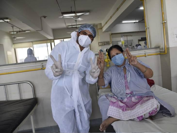 અમદાવાદની GCS હોસ્પિટલમાં નર્સોએ કોરોનાગ્રસ્ત દર્દીઓ સાથે મળીને આંતરરાષ્ટ્રીય નર્સીસ ડે ઉજવ્યો અમદાવાદ,Ahmedabad - Divya Bhaskar