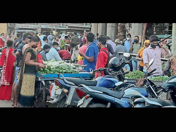 કોરોનાને આમંત્રણ,  રોજના એવરેજ 6ના મોત થયા છે, છતાં લોકો ગંભીર નથી - Divya Bhaskar
