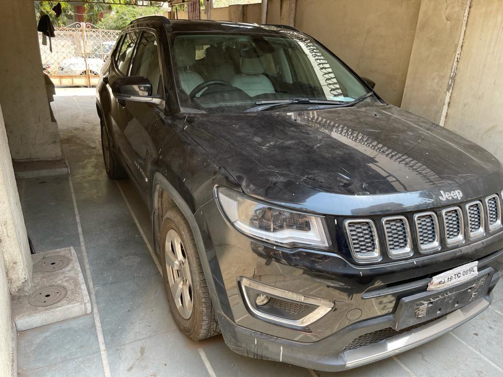 એક નંબરથી બે કાર ચલાવી ટેક્સ ચોરી કરતા માલિક સામે ફરિયાદ; 85 હજારનો ટેક્સ બાકી, શાહીબાગથી બે કાર કબજે કરાઈ|અમદાવાદ,Ahmedabad - Divya Bhaskar