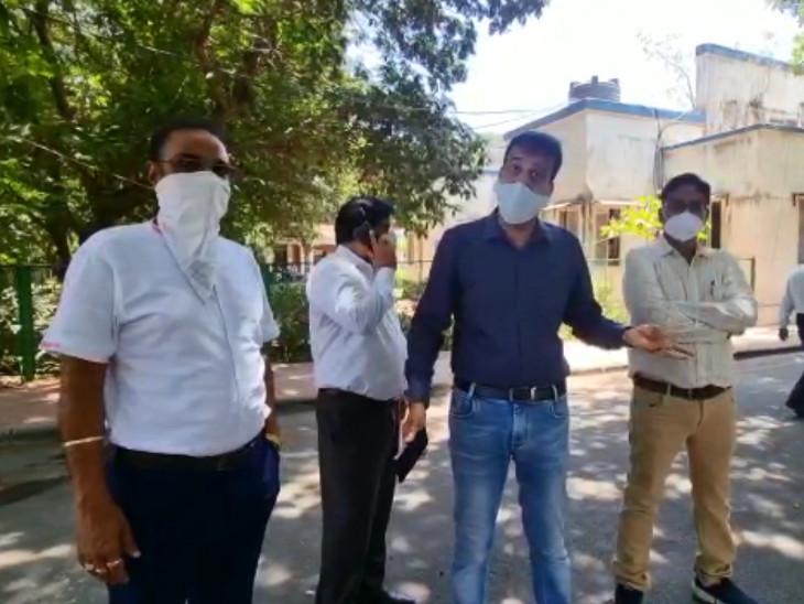 માર્કેટ ખોલવાની માગણી સુરત પોલીસ કમિશનરે ફગાવી, 17મી સુધી બંધ, કોરોનાથી અત્યાર સુધીમાં કાપડ ઉદ્યોગને 12થી 15 હજાર કરોડ જેટલું નુકસાન|સુરત,Surat - Divya Bhaskar