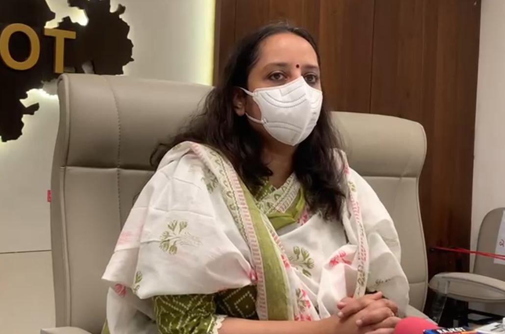 રાજકોટમાં કેસ વધતા કલેકટરે કહ્યું - ખાનગી ENT સર્જન પણ સિવિલ હોસ્પિટલમાં આવી ઓપરેશન કરશે, આગામી દિવસોમાં ભાવનગરથી રાજકોટ 2 ENT સર્જનની બદલી કરાશે રાજકોટ,Rajkot - Divya Bhaskar