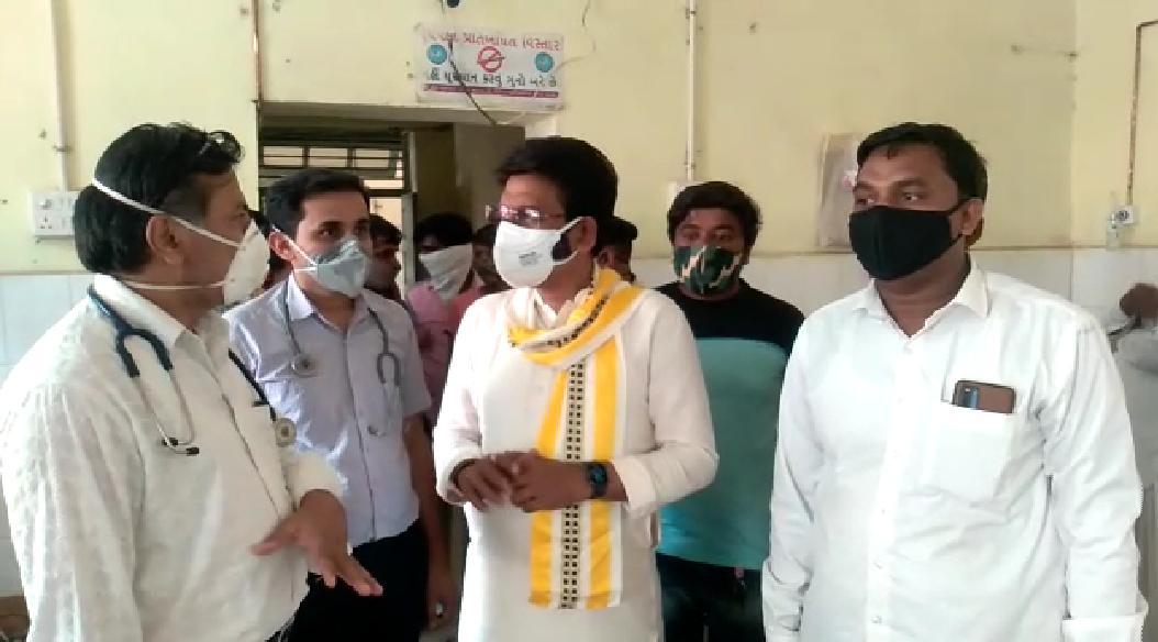 તાવ કે શરદી થાય તો તરત દવા લો, ફક્ત બાધા રાખો નહીં પણ દુવાની સાથે દવા લો - અલ્પેશ ઠાકોર|પાલનપુર (બનાસકાંઠા),Palanpur (Banaskantha) - Divya Bhaskar
