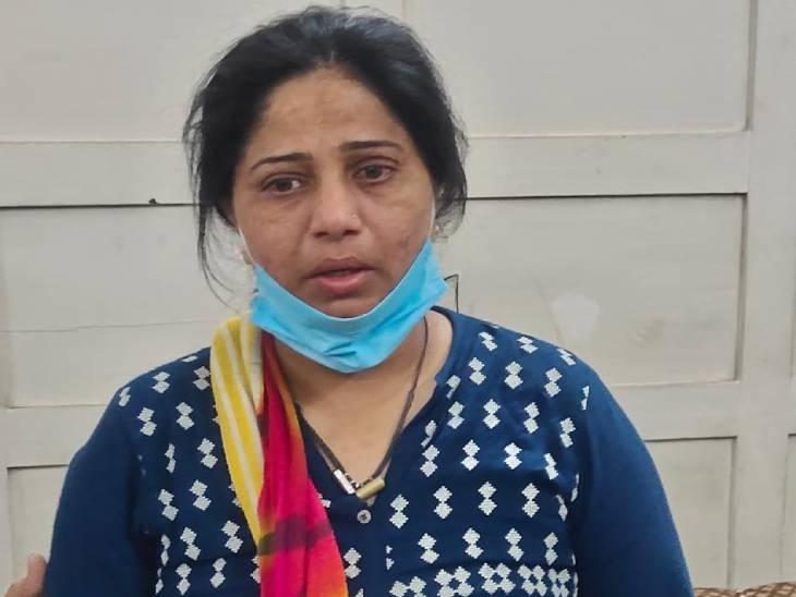 અમદાવાદમાં PSI અને કોન્સ્ટેબલ સાથે મળીને મહિલા PIએ હનીટ્રેપની ગેંગ બનાવી, ચારથી વધુ લોકોને ફસાવીને રૂ.26 લાખ પડાવ્યા|અમદાવાદ,Ahmedabad - Divya Bhaskar
