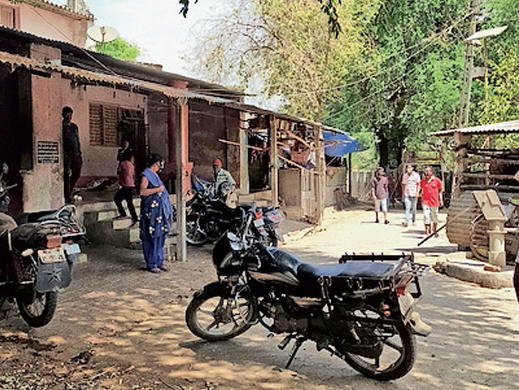 'ખલી ગામ' જ્યાં કોરોના હજી પણ પ્રવેશી શક્યો નથી|બારડોલી,Bardoli - Divya Bhaskar