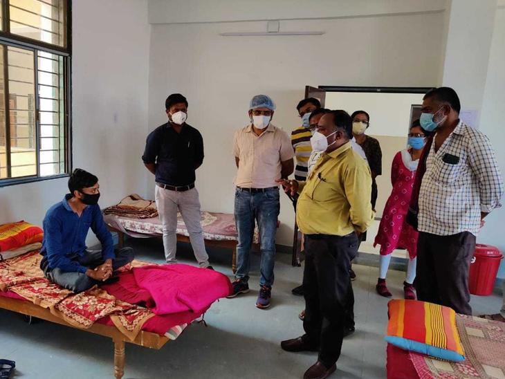 આઈસોલેશન વોર્ડની અધિકારીઓએ મુલાકાત લીધી હતી. - Divya Bhaskar