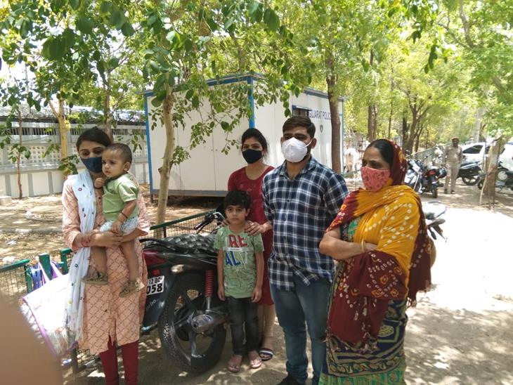 જાળીલા સરપંચને ફરી પોલીસ રક્ષણ ન મળતા હિજર કરવી પડી હતી. - Divya Bhaskar