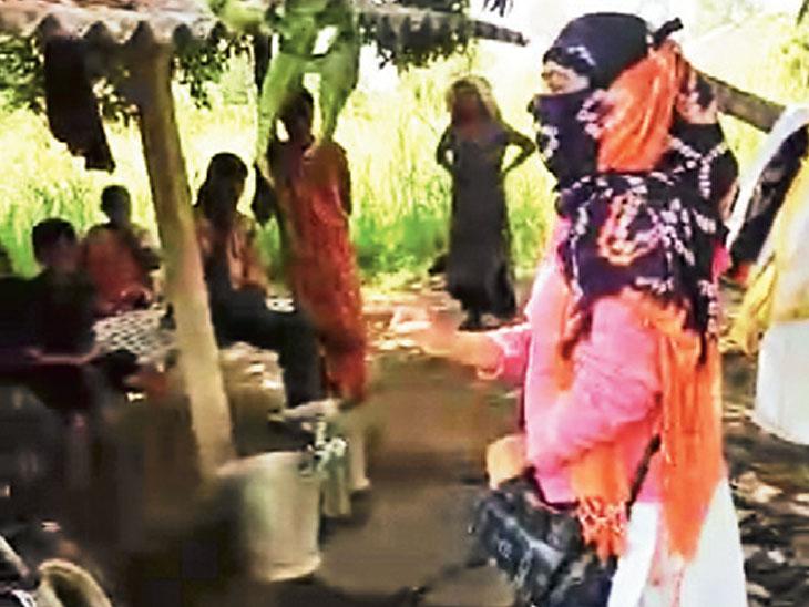 દર્દીની પત્નીએ મહિલા કર્મીને ધમકી આપી - Divya Bhaskar
