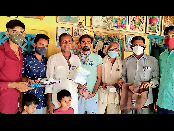 જરૂરિયાતમંદ પરિવારોને અનાજની કિટ વિતરણ કરવાનો સંકલ્પ - Divya Bhaskar