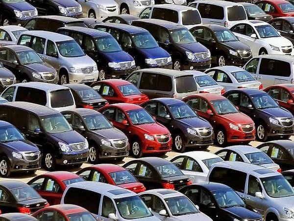 કોરોના સંક્રમણને કારણે જૂની ગાડીઓ ખરીદવાની ડિમાન્ડ વધી, એક વર્ષમાં લગભગ 40 લાખ જેટલી જૂની ગાડીઓ વેચાઈ ગઈ|ઓટોમોબાઈલ,Automobile - Divya Bhaskar