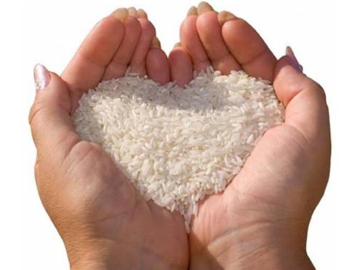 જળ દાનથી તૃપ્તિ મળે છે. અનાજ દાનથી અક્ષય સુખ, તલના દાનથી સંતાન સુખ, ભૂમિ દાનથી મનગમતી વસ્તુઓ મળી શકે છે