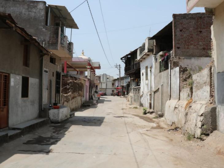 ગામ સ્વચ્છ અને નિરોગી રહે તે માટે દરરોજ 40 ઘરનો સર્વે કરવામાં આવે છે. ઘરે ઘરે ક્લોરિન ટેબ્લેટનું પણ વિતરણ કરવામાં આવે છે