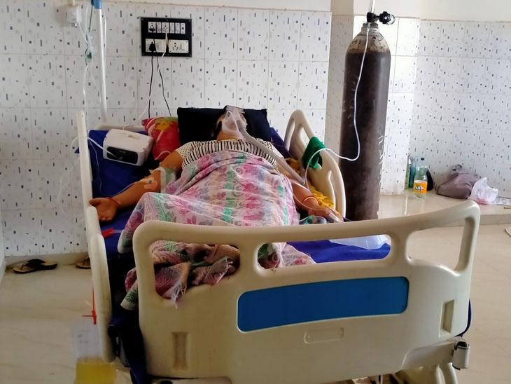 ગંભીર દર્દીઓ દાખલ હોઈ ઓક્સિજન-બાયપેપની સગવડવાળા બેડ ખાલી નથી. - Divya Bhaskar