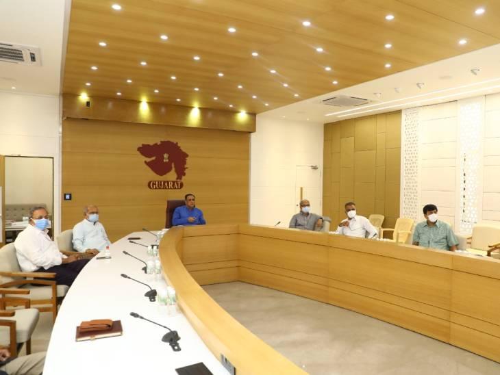 ગાંધીનગરમાં મુખ્યમંત્રીના અધ્યક્ષસ્થાને કોર કમિટીની બેઠક, વાવાઝોડા સામે સુરક્ષાની તૈયારીઓ કરવા તંત્રને સૂચના ગાંધીનગર,Gandhinagar - Divya Bhaskar