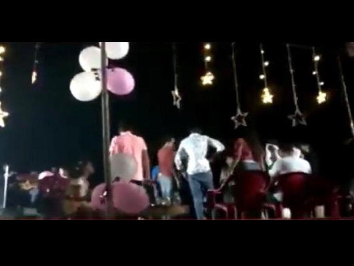 ખતલવાડાની વિવા કંપનીમાં રાત્રે ઓર્કેસ્ટા ડીજેના તાલ સાથે બર્થડેની મહેફિલ જામી|ઉમરગામ,Umbergaon - Divya Bhaskar