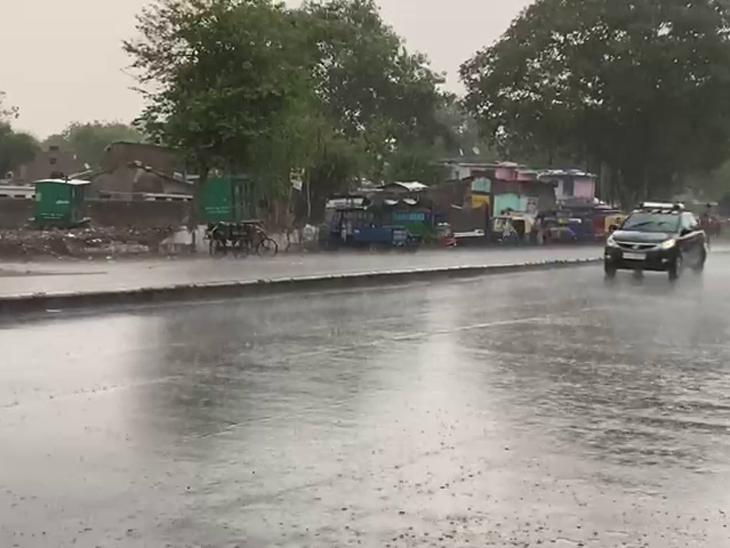 અમદાવાદમાં પડેલા વરસાદની તસવીર. - Divya Bhaskar