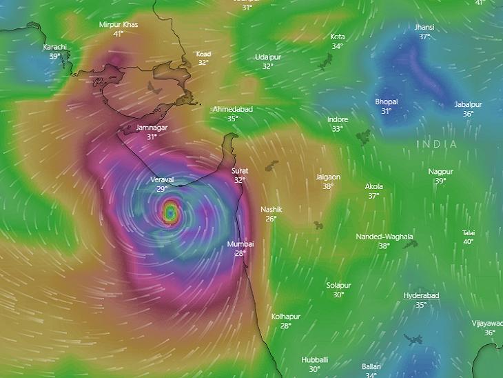 વાવાઝોડું ગુજરાતથી 600 કિ.મી દૂર, દરિયા કાંઠાના 1.50 લાખ લોકોને ખસેડવા કામગીરી શરૂ, 15000નું સ્થળાંતર|અમદાવાદ,Ahmedabad - Divya Bhaskar