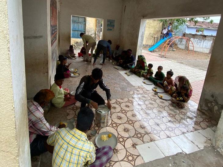 અમદાવાદના ધોલેરા-ધોળકા સહિતના ભાગોમાં આવતીકાલે સવારે 11 વાગ્યે વાવાઝોડું ત્રાટકશે, જિલ્લામાંથી 1800થી વધુનું સ્થળાંતર|અમદાવાદ,Ahmedabad - Divya Bhaskar