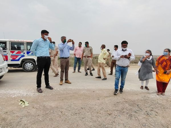 388 આરોગ્ય વિભાગની ટીમો તથા અન્ય સંકલનની કામગરી માટે 319 મહેસુલી અધિકારીઓની ટીમો કાર્યરત કરાઈ