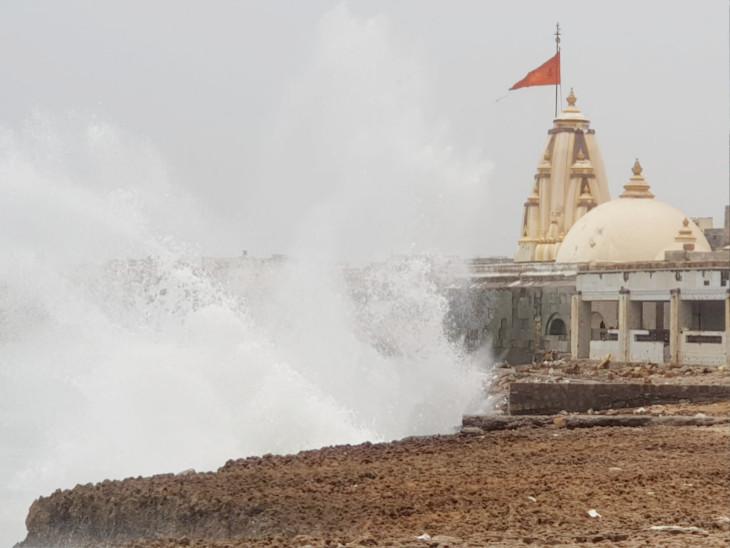 વાવાઝોડું અતિપ્રચંડ બનતાં ગુજરાતમાં ઓરેન્જ અલર્ટ, આજે 175 કિલોમીટરની ઝડપે ટકરાશે; મહુવા કાંઠે લેન્ડફૉલ થશે|ગાંધીનગર,Gandhinagar - Divya Bhaskar
