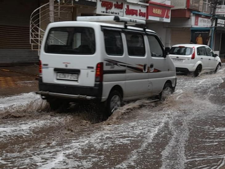 તાઉ-તે વાવાઝોડાના પગલે છેલ્લા 12 કલાકમાં ગુજરાતના 219 તાલુકામાં ભારેથી અતિભારે વરસાદ, સૌથી વધુ નડિયાદમાં 8.5 ઇંચ નોંધાયો|અમરેલી,Amreli - Divya Bhaskar
