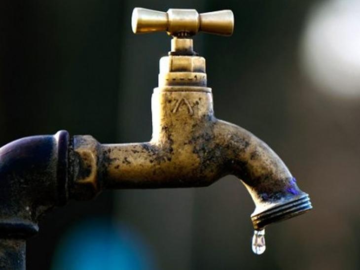 હવે ઝાડા, ઉલ્ટીના રોગચાળાનો ખતરો, વિજળી ન હોવાથી લોકો નાછૂટકે દુષિત પાણી પીવા મજબુર|અમરેલી,Amreli - Divya Bhaskar