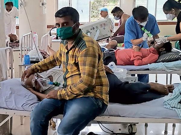 અત્યાર સુધી 17 દર્દીના મોત, દૈનિક બે હજાર સામે માંડ 600 ઈન્જેક્શન મળે છે. - Divya Bhaskar
