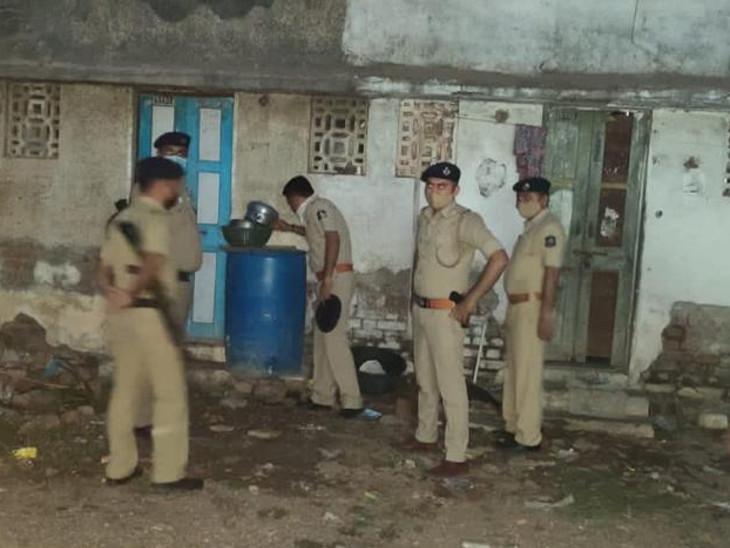 રાજકોટમાં 10 પોલીસમથક, 50 દરોડા, 373 લિટર દેશીદારૂ પકડાયો, 28 મહિલાની ધરપકડ રાજકોટ,Rajkot - Divya Bhaskar