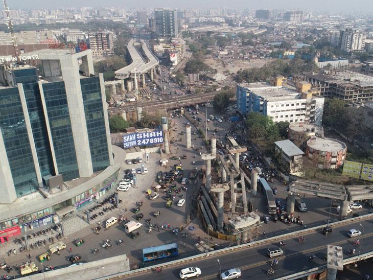 સહારા દરવાજા ફ્લાય ઓવર પ્રોજેક્ટ અટક્યો, 3 વર્ષ થયા છતાં કામ પૂર્ણ ન થતા ઇજારદારને તેડું સુરત,Surat - Divya Bhaskar